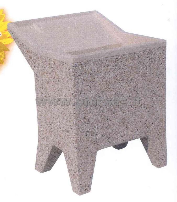 ... lavandino da giardino, realizzato in cemento grigio grezzo o levigato
